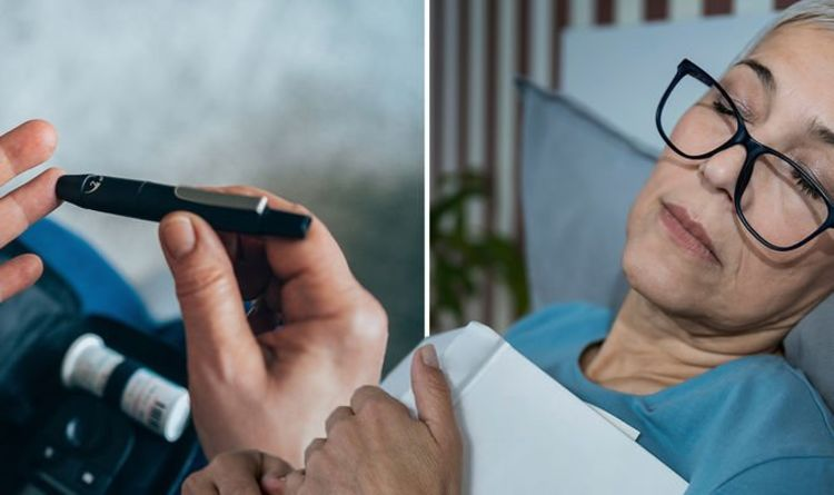 Diabetes type 2: Three symptoms that require you to call 999 'straight away' - pharmacist