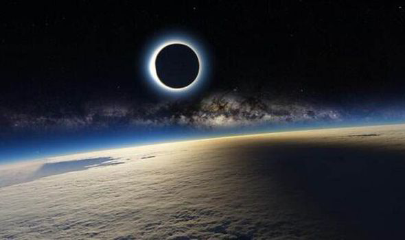 Eclipse Hd Wallpaper Solar Eclipse Image Taken From Iss And Posted On Twitter