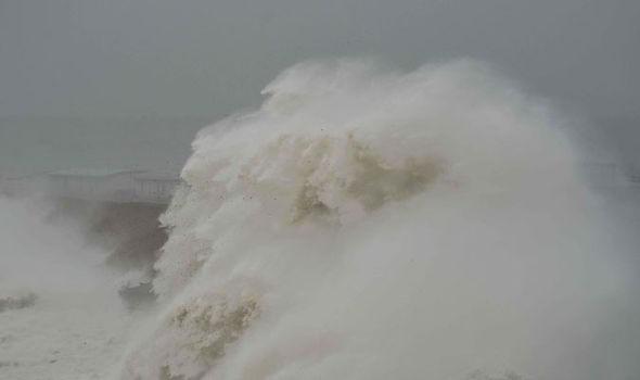 wave, waves, giant wave, weather warning, weather warnins, uk weather