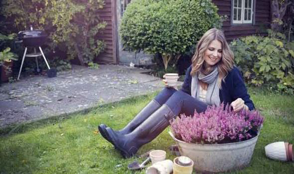 Winter Gardening Tips From Alan Titchmarsh Garden Life & Style