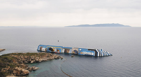 can a cruise ship capsize or sink
