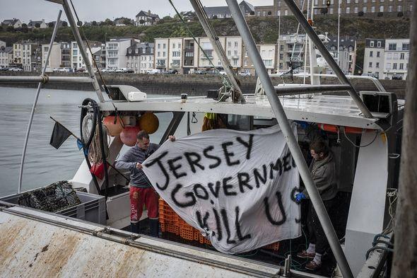 French fishermen blockade Jersey