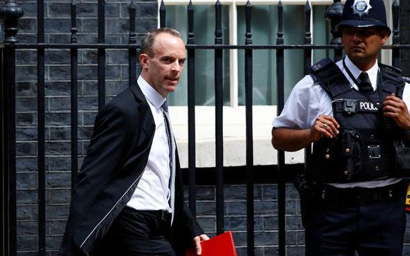 "New Brexit secretary Dominic Raab leaves Downing Street ""title ="" New Brexit secretary Dominic Raab leaves Downing Street"