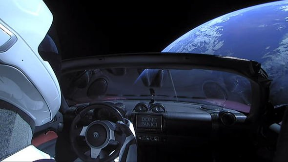 SpaceX news: Tesla Roadster and Starman in space