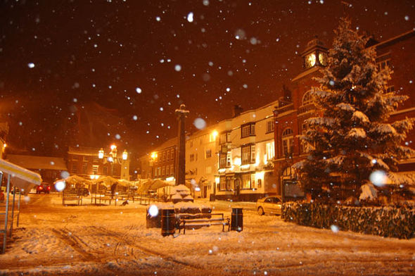 Snow Falling At Night Wallpaper White Christmas 2016 Latest Odds And Snow Forecast Will