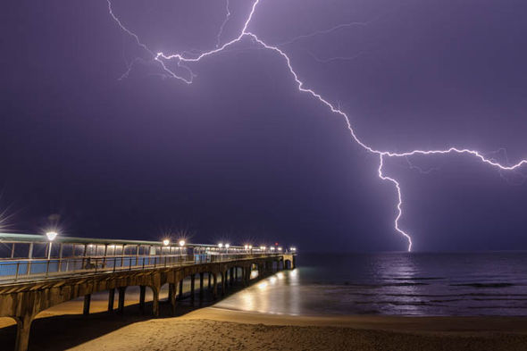 uk lightning storm pictures