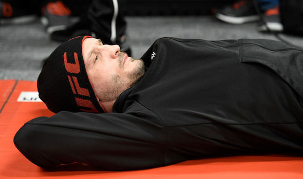 Brad Pickett prepares for a UFC fight