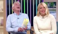This Morning host Phillip Schofield 'will get £1million pay rise however Holly may overtake him' 1181277 1