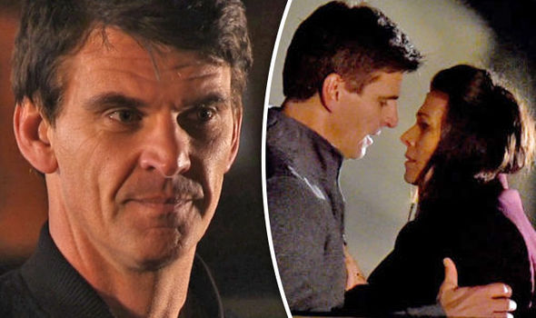 Coronation Street spoiler Robert thrown into DANGER to protect Michelle's life