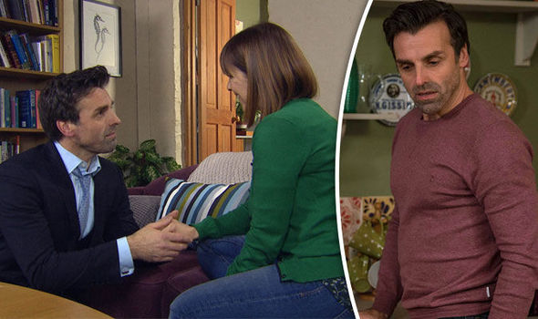 Pierce proposes to Rhona on Emmerdale