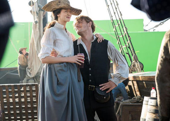 Catriona Balfe and Sam Heughan filming