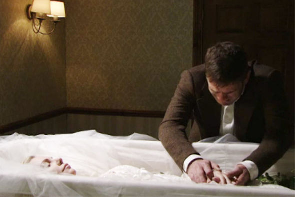 Jack Branning cries over Ronnie's body