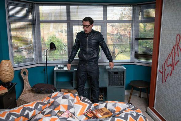 Finn Barton trashes Kasim's house
