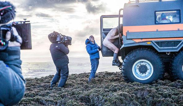 Matt LeBlanc helps naked ramblers