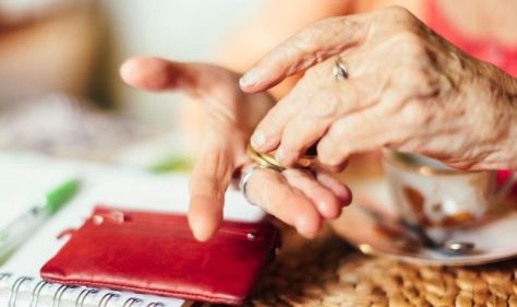 'I couldn't access money' - Pensioner, 72, recalls struggle to access cash during lockdown