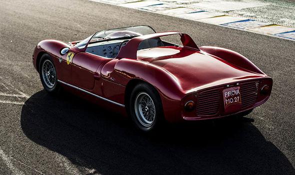 Ferrari 275 P classic car Le Mans