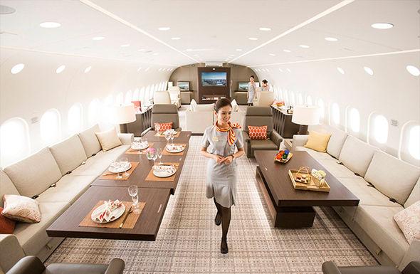 Boeing Dreamjet INSIDE Dreamliner 787 plane turned world