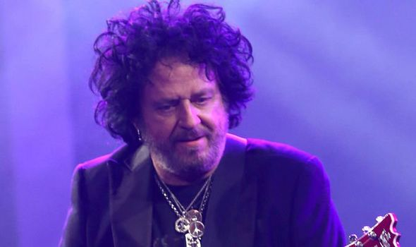 Steve Lukather on stage