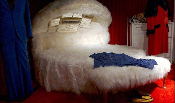 Death of Elvis Presley: his room in Graceland