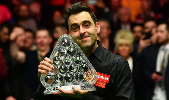 Ronnie O'Sullivan lifts his seventh Masters crown
