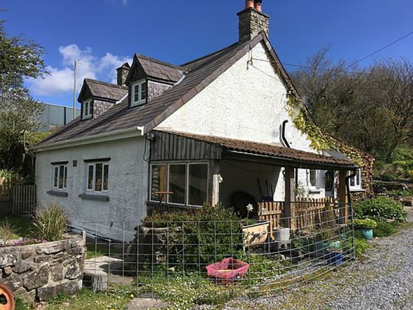 Patricia Breckman and Eddie Roberts's cottage near Maesybont