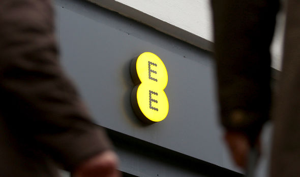 Can EE customers claim back any money from the billing problems?