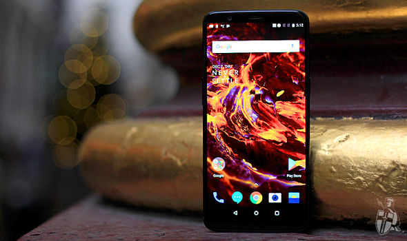 OnePlus has squeezed a 6.01-inch AMOLED display into the same physical footprint