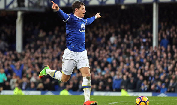 Ross Barkley scores for Everton