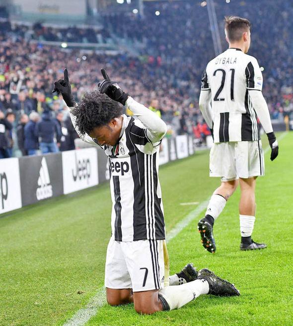 Juan Cuadrado Paulo Dybala Juventus