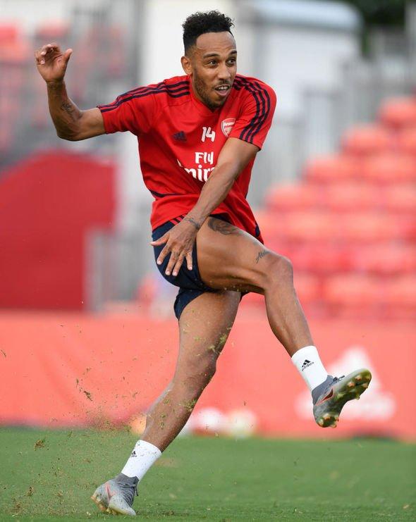 Man Utd Transfer News Live Maguire Deal Close Pepe