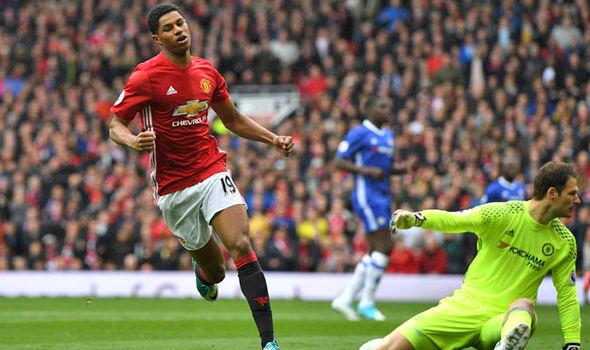 Marcus Rashford scores for Man United
