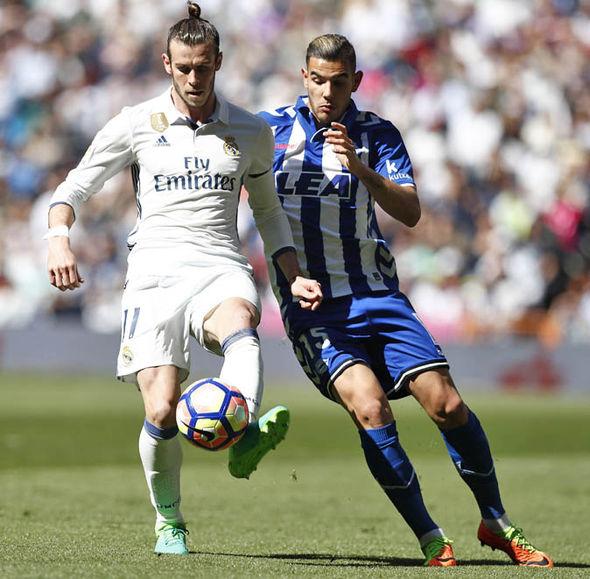 Hernandez playing against Real Madrid