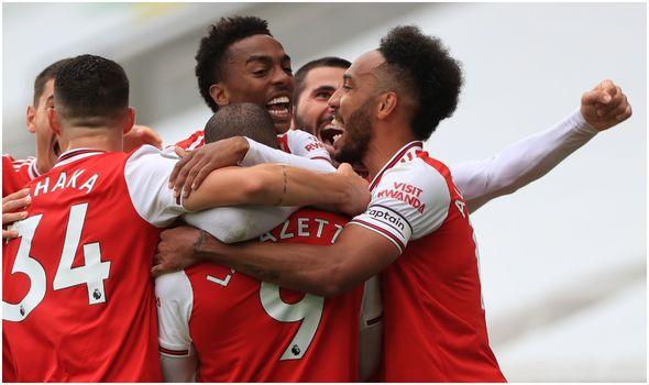 Wolves 0 2 Arsenal Saka And Lacazette On Target As