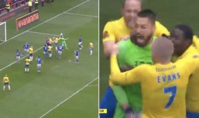 Torquay goalkeeper scores epic last minute equaliser in playoff final 'Unbelievable Jeff!