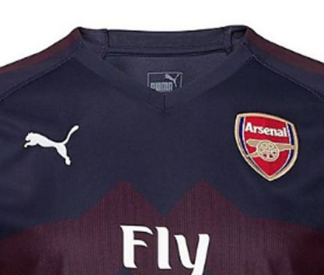 Arsenal Away Kit 2018 19 Best Pictures As Gunners Unveil New Shirt For Next Season Football Sport Express Co Uk