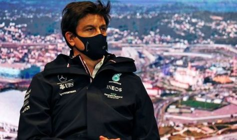 Toto Wolff highlights Lewis Hamilton's change of approach with Max Verstappen