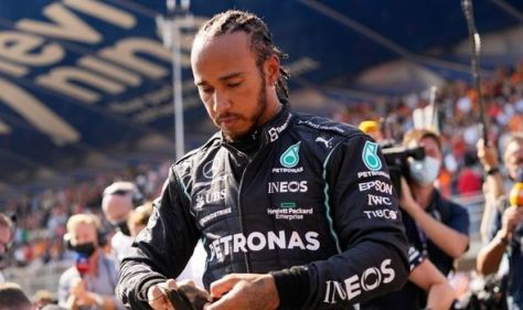 Lewis Hamilton 'under pressure' and caught in 'remarkable amount of little incidents'