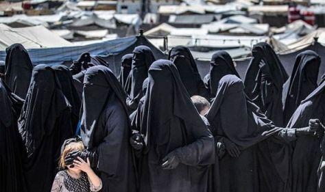 'Open your minds' British female Jihadi begs for UK return in plea from Shamima Begum camp