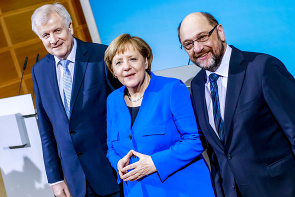 Coalition agreement: CSU leader Horst Seehofer, Angela Merkel and Martin Schulz announce their programme