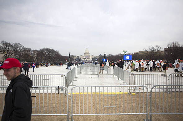 Crowds start to form in Washington for the inauguration