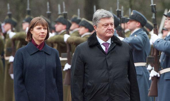 Estonian president Kersti Kaljulaid (L) with Ukraine leader Petro Poroshenko on Monday