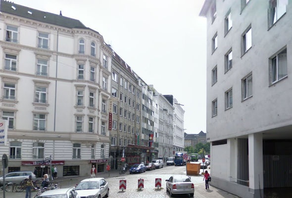 Extra police were called to the scene on Steintorweg