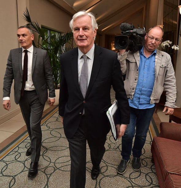 Michel Barnier talked with Danny McCoy in Ireland