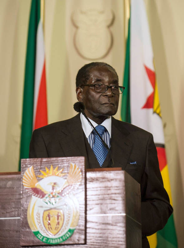 Robert Mugabe delivers a speech in 2015