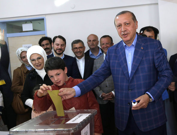 President Erdogan casts his ballot in Istanbul
