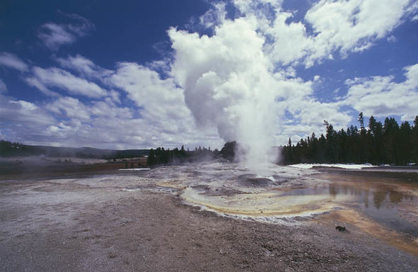 Time Traveller Predicts Devastation From Yellowstone
