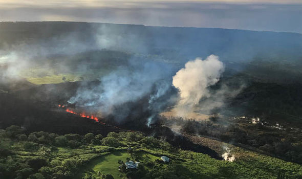 hawaii volcano eruption 2018 kilauea volcano ash big island latest