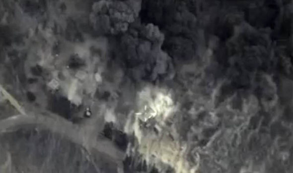 Footage from a Russian drone showing the destruction of an ISIS headquarters