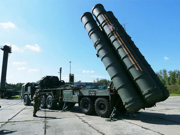 Dubbed the 'Growler' by NATO, the S-400 is an anti-aircraft missile system