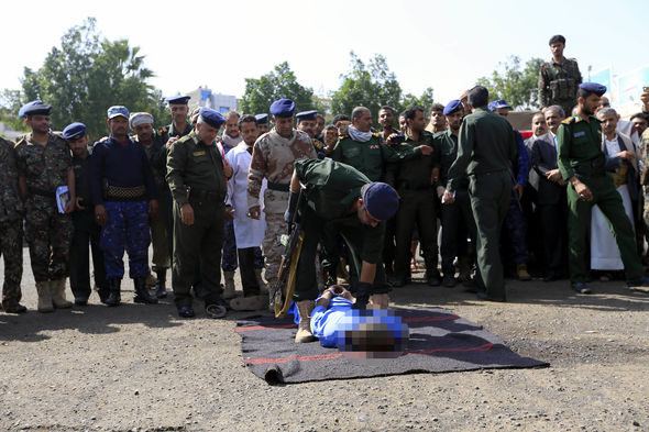 yemen executions paedophiles murder rape kill hung
